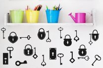 Set of 22 stunning keys and locks - cool wall / fridge decoration